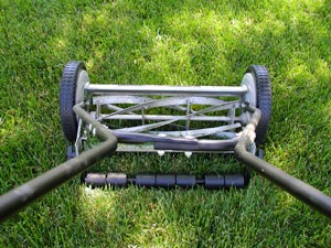 using a reel or push style lawn mower thriftyfun. Black Bedroom Furniture Sets. Home Design Ideas